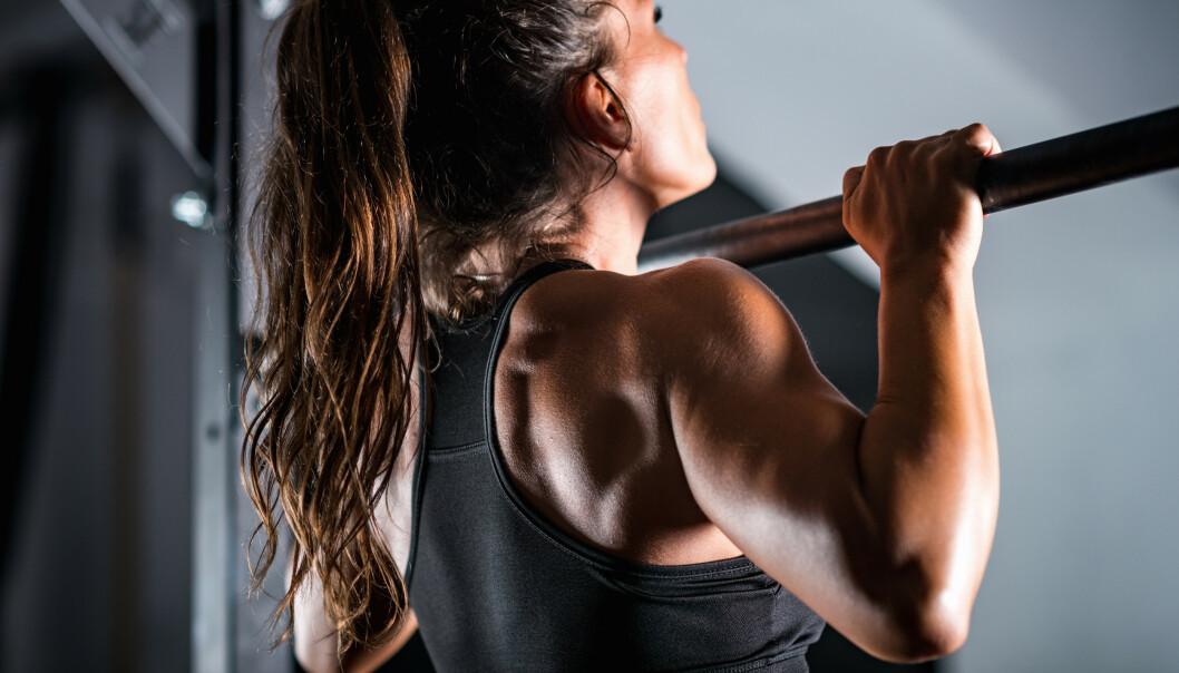 <strong>STYRKETRENING:</strong> Å trene styrke krever verken treningsapparater eller personlig trener. FOTO: NTB scanpix