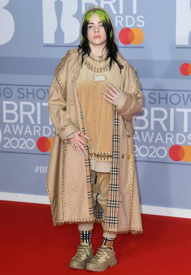 BILLIE EILISH: Artisten vant pris for beste internasjonale kvinnelige artist under gårsdagens BRIT Awards. Foto: NTB scanpix