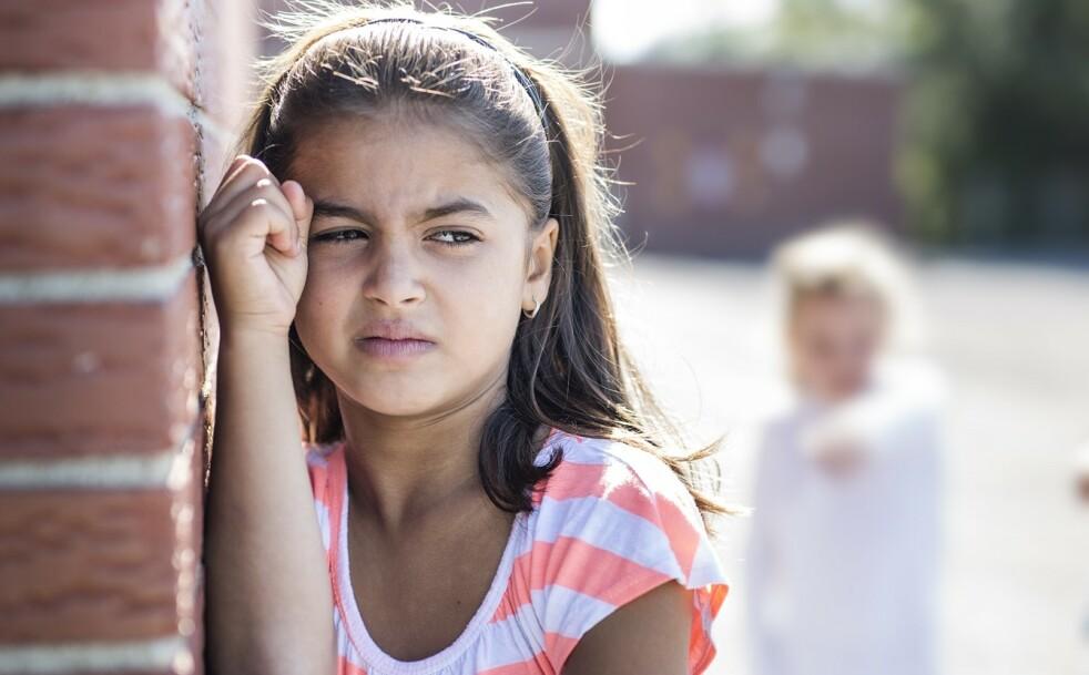 KONFLIKTER MELLOM BARN: Foreldre vil instinktivt forsvare barnet sitt når det havner i konflikter, men er det riktig av oss å alltid blande oss inn? FOTO: NTB Scanpix