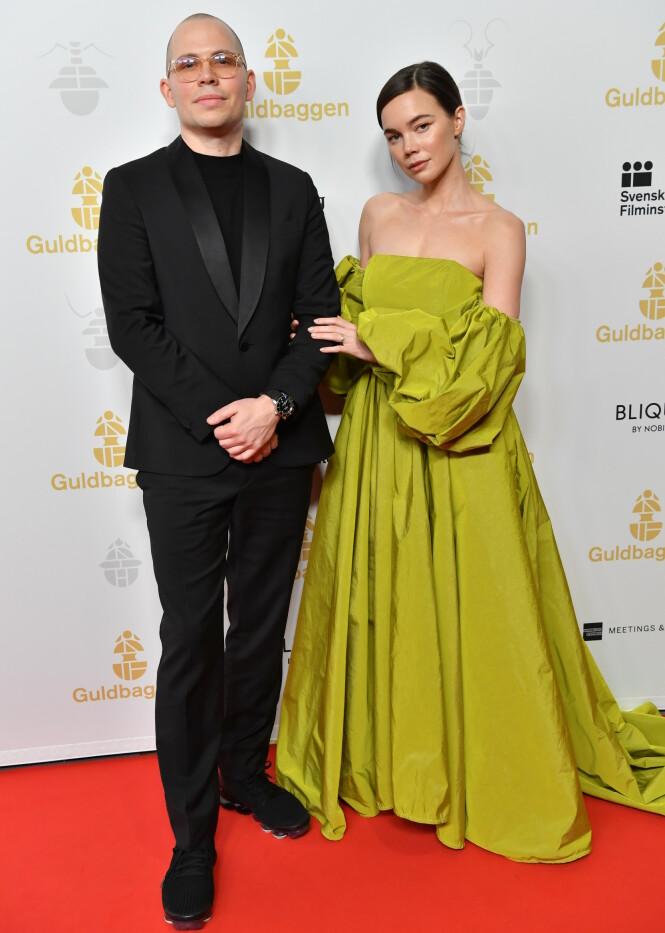 KJÆRESTEN: Hedda Stiernstedt og regissør Alexis Almström har vært kjærester i ni år. Her fra prisutdelingen Guldbaggegalan 2020 i januar. FOTO: NTB scanpix