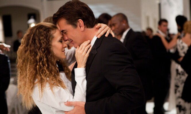 "<strong>TV-PAR:</strong> Rollefigurene Mr. Big og Carrie Bradshaw i kjent positur. Her fra filmen ""Sex and The City 2"" i 2010. Foto: NTB Scanpix"