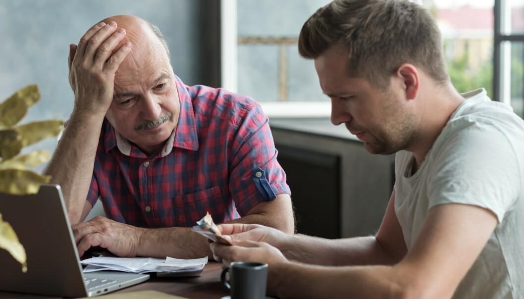 Den nøkterne og sparsommelige pensjonistgenerasjonen er i ferd med å dø ut. I stedet lever stadig flere over evne, noe som gjør at de kan få store betalingsbekymringer på eldre dager, mener Senior Norge. Foto: Shutterstock/NTB Scanpix