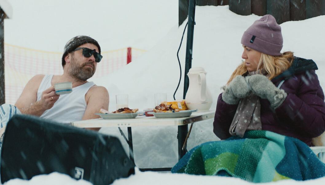 NKVO: Kjæresteparet Bård (spilt av Christian Skolmen) og Berit (spilt av Janne Formoe) tviholder på det enkle og nedstrippa - men drømmer kanskje om litt mer luksus? FOTO: Stig og Stein Studio/Nordisk Film Distribusjon