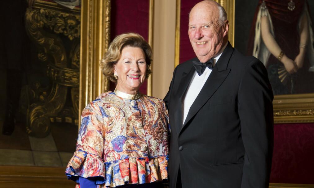 <strong>BURSDAGSKONGEN:</strong> Kong Harald fyller hele 83 år i dag. Det feires privat, opplyser Slottet. Her er kongen og dronning Sonja fotografert sammen i 2018. Foto: Heiko Junge / NTB scanpix