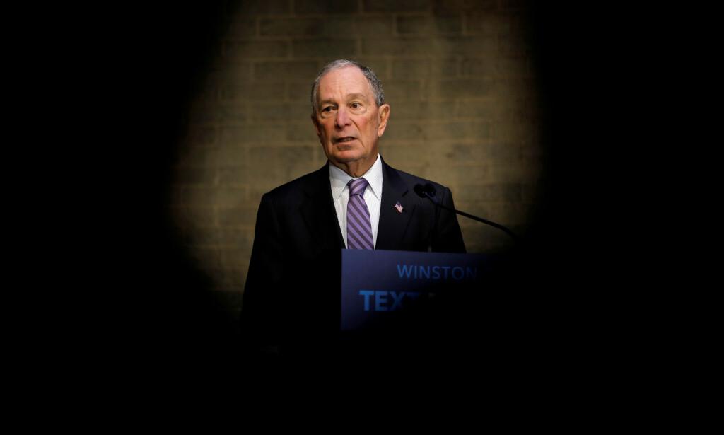 STINN: Michael Bloomberg spytter inn enorme summer for å vinne Demokratenes nominasjonskamp. Først på supertirsdag 3. mars, står han på valglistene. Da vil han få svar på om investeringen kan betale seg. Foto: REUTERS / Jonathan Drake / NTB Scanpix