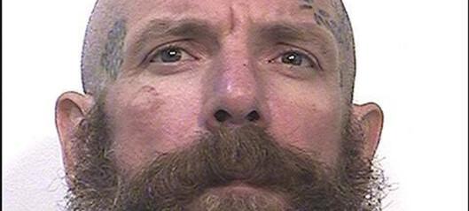 Drepte to barneovergripere i fengselet
