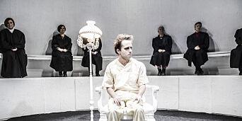image: Teateranmeldelse: Kult konsept, overtydelige konklusjoner