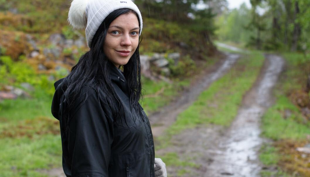 <strong>- KOLLAPSET:</strong> Stina Bakken forteller at oppholdet på de to gårdene ikke var noe for henne, kanskje særlig på grunn av matsituasjonen. Foto: TV 2