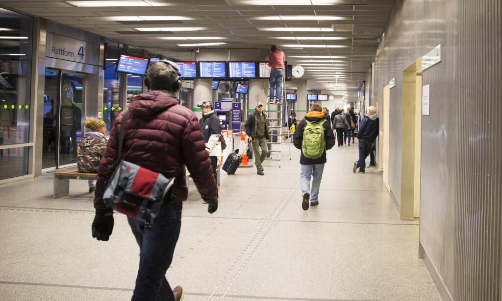 FLERE REISENDE: Trafikken ved Oslo bussterminal viser en økning på 2,4 prosent for fjoråret sammenlignet med 2018. Det utgjør en økning i antall passasjerer på nær 600.000. Foto: Håkon Mosvold Larsen / NTB scanpix
