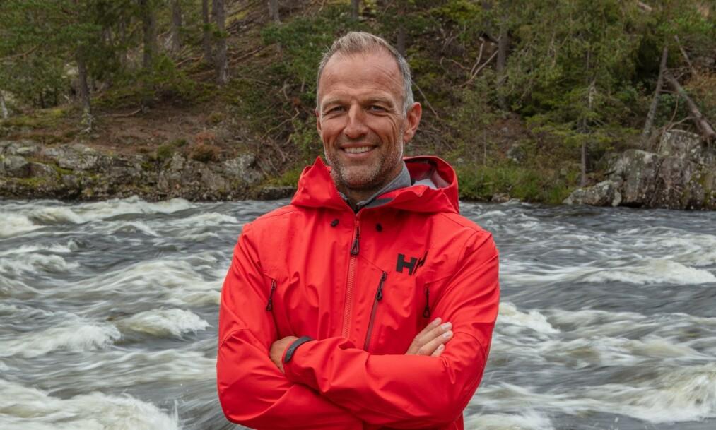 <strong>MOT STRØMMEN:</strong> Tom Stiansen (49) har aldri vært spesielt glad i alkohol. Nå forteller han hvorfor. Foto: Discovery
