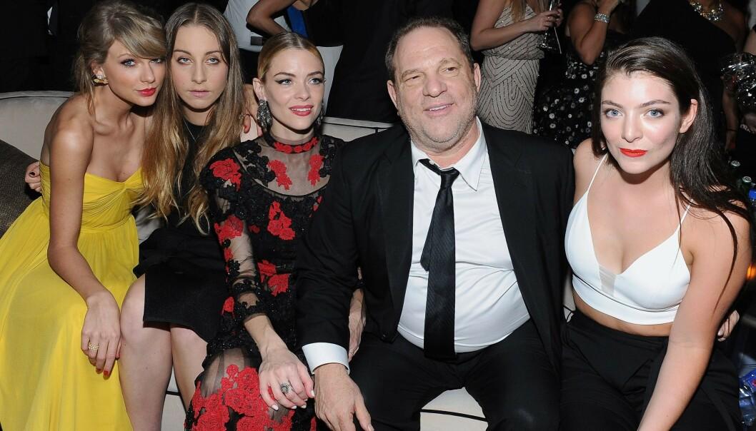 <strong>KJENT SKYLDIG:</strong> Hollywood-produsenten Harvey Weinstein risikerer opptil 25 års fengselstraff, ifølge Reuters. Her er han sammen med Taylor Swift, Este Haim, Jaime King og Lorde på Golden Globe-etterfest i 2015. Foto: AFP/ NTB Scanpix