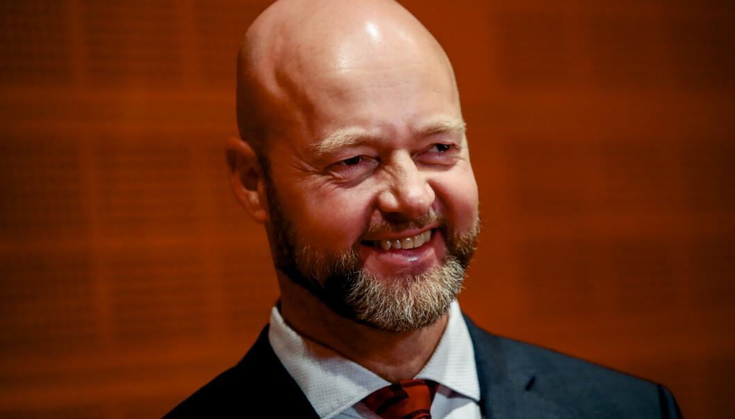 <strong>FERDIG:</strong> Yngve Slyngstad (t.v.) gir seg som leder for oljefondet, og sentralbanksjef Øystein Olsen har nå åtte menn på listen over dem som håper å overta. Foto: Håkon Mosvold Larsen / NTB scanpix