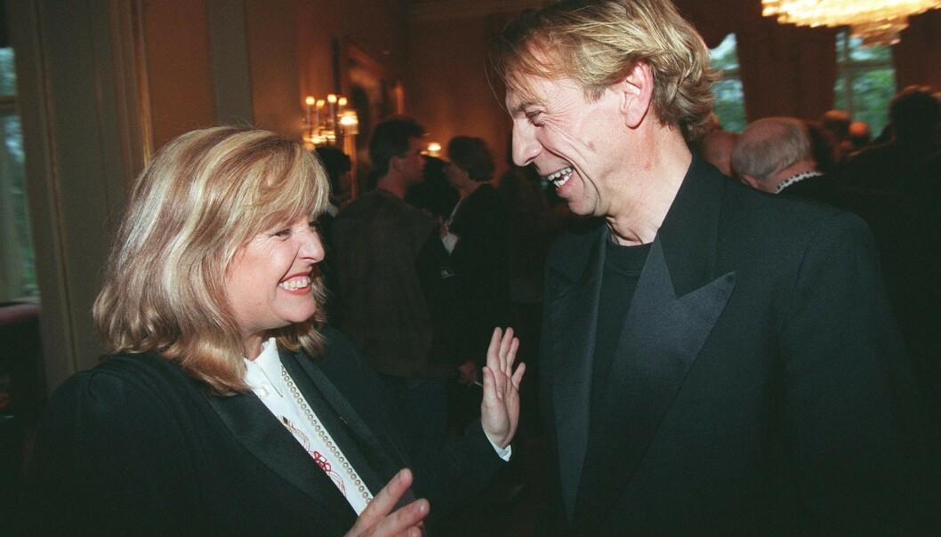 VENNER: Her er Hanne Krogh og Jahn Teigen avbildet under Eurovision Song Contest i 1995 i Norge. Foto: NTB Scanpix