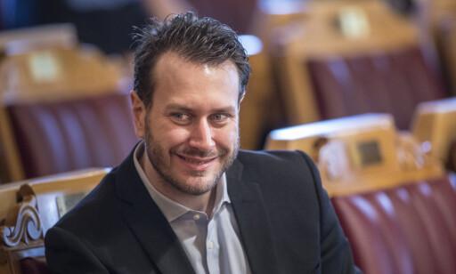FULLT UT: Frps forhandler Helge Andre Njåstad sier kommunene vil få kompensert merutgifter fullt ut.     Foto: Ole Berg-Rusten / NTB Scanpix
