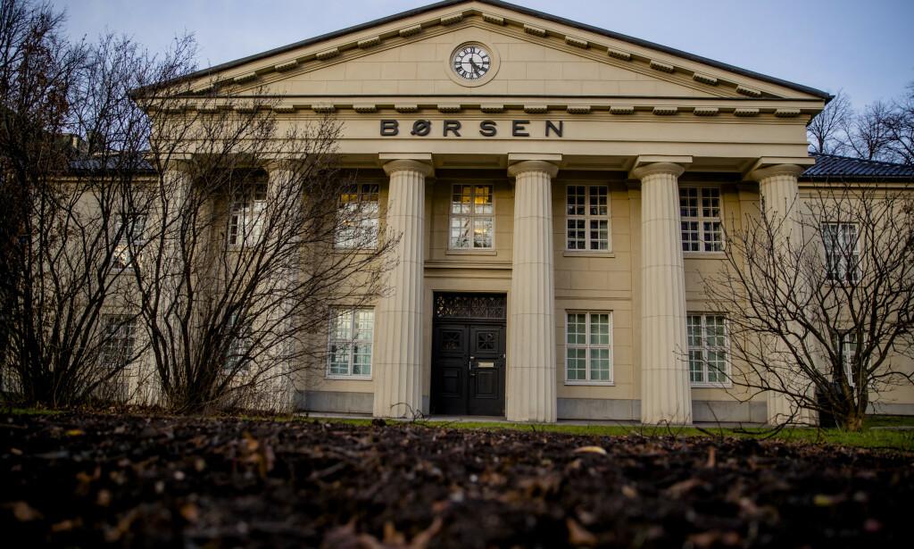 STUPER: Oslo Børs faller fra start fredag. Foto: Stian Lysberg Solum / NTB scanpix