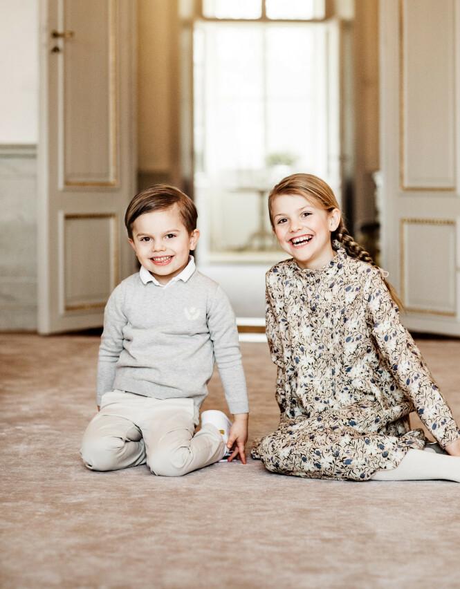 <strong>SØSKEN:</strong> Det er ingen tvil om at prinsesse Estelle og lillebroren prins Oscar er noen storsjarmører. Foto: Linda Broström/Kungl. Hovstaterna