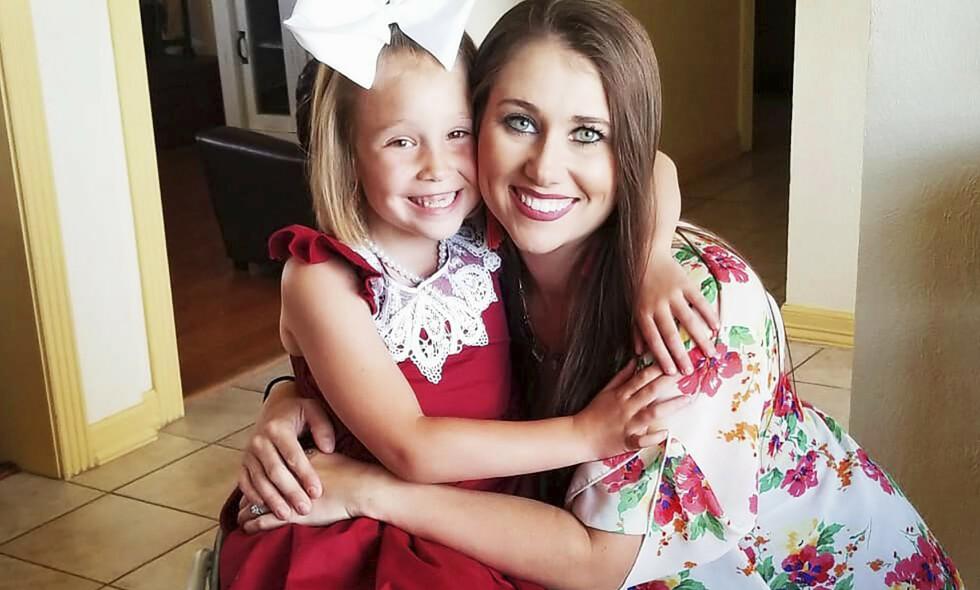 RADARPAR: Leigh er lykkelig over hvor bra det går med lille Honor. - Min jobb som mamma er å være sterk for henne. Det er av og til tøft, men hun er verdt det, sier den stolte moren Leigh. Foto: Media Drum World