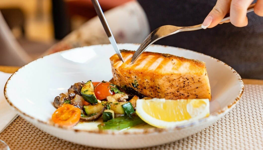 TYGG SAKTE: Spis i ro og unngå å sluke maten. FOTO: NTB Scanpix