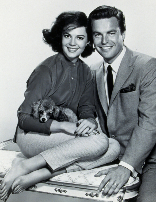 <strong>PENT PAR:</strong> Ekteskap nummer 1. Livet ligger foran dem, og begge er unge, vakre og suksessrike. Året er 1960. FOTO: NTB Scanpix