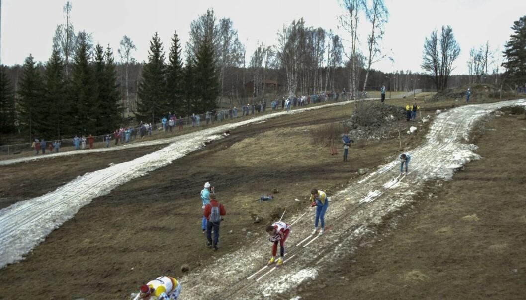 Flere norske medier har omtalt bildet fra Falun i 1989, som nå sprer seg på Facebook. Foto: Lars Hedberg / TT / NTB Scanpix