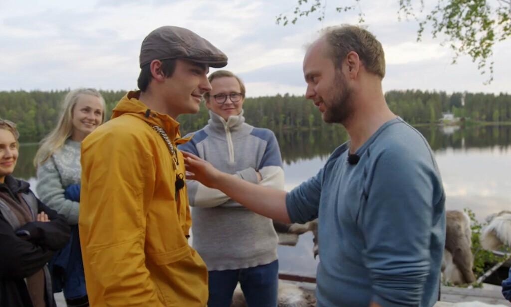 MØTTES TIL KAMP: Adrian Sellevoll måtte forlate gården etter at han tapte mot Mimir Kristjánsson i søndagens tvekamp. Foto: TV 2
