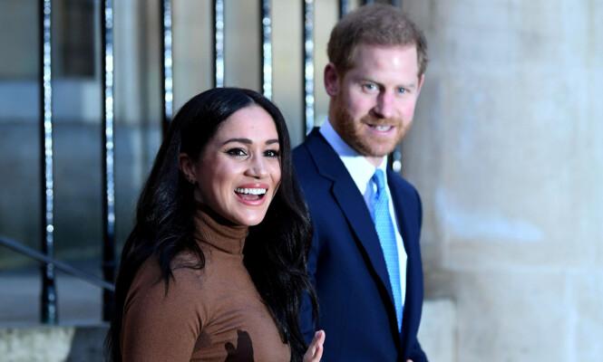 <strong>TREKKER SEG:</strong> Hertugparet av Sussex har utvilsomt skapt hodebry for dronning Elizabeth de siste månedene. 31. mars i år er de formelt ute av den britiske kongefamilien. Foto: NTB Scanpix
