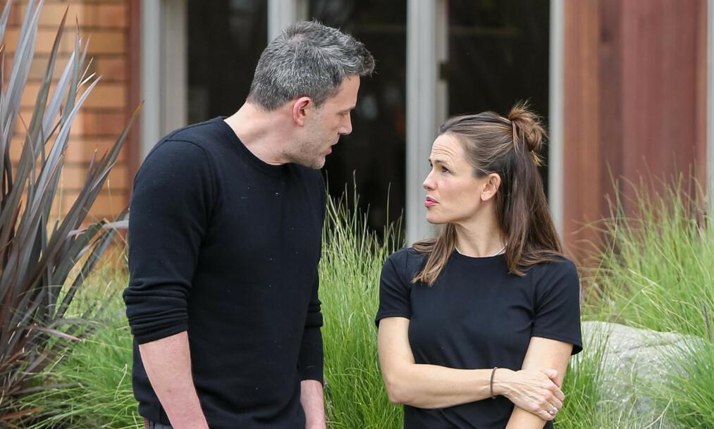 <strong>OBSERVERT SAMMEN:</strong> Eksparet Ben Affleck og Jennifer Garner ble denne uken sett sammen i Los Angeles. For et par uker siden uttalte førstnevnte at han angret på skilsmissen. Foto: NTB Scanpix