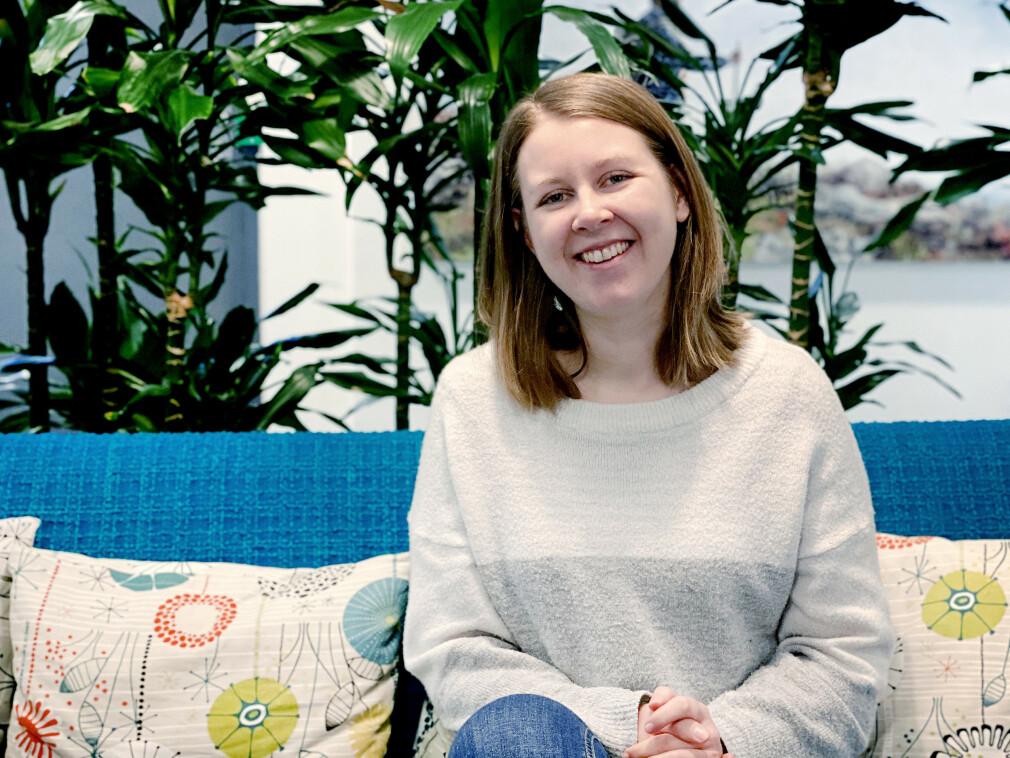 Nina Angelvik tenkte egentlig å studere språk, men oppdaga gleden ved programmeringsspråk, og jobber nå som utvikler i FINN. 📸: Privat
