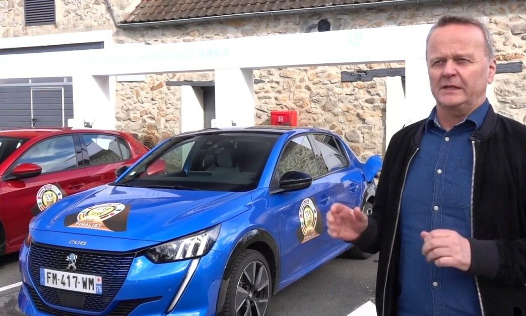 <strong>FORTJENT VINNER:</strong> Peugeot 208 kommer til å selge bra i Norge, først og fremst med elektrisk drivverk, og er en fortjent vinner, sier Rune Korsvoll, som er norsk jurymedlem. Foto: Fred Magne Skillebekk