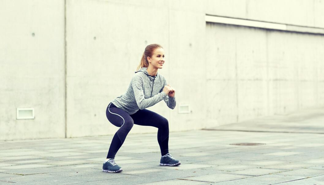 <strong>STERK BAK:</strong> - En aktiv rumpe er avgjørende for kroppsholdning og en bevegelig kropp, sier den britiske legen Rangan Chatterjee, kjent fra BBC og boka Helseplanen som nå foreligger på norsk. FOTO: NTB Scanpix