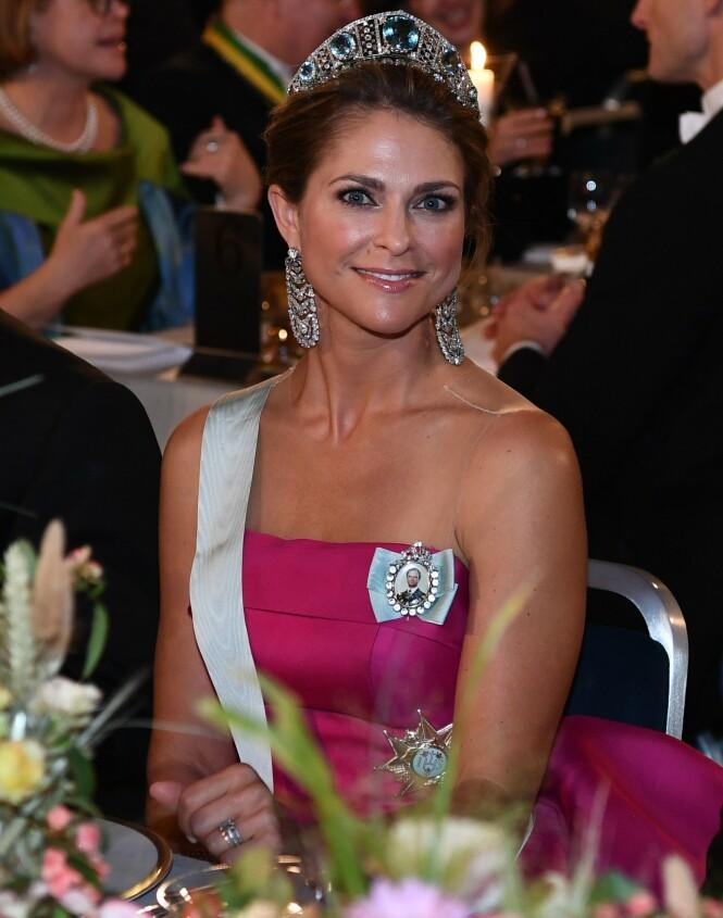 <strong>GLAD I SMYKKER:</strong> Prinsesse Madeleine er svært glad i smykker, og har en stor smykkesamling som ble betydelig mindre etter innbruddet i fjor. Foto: NTB Scanpix