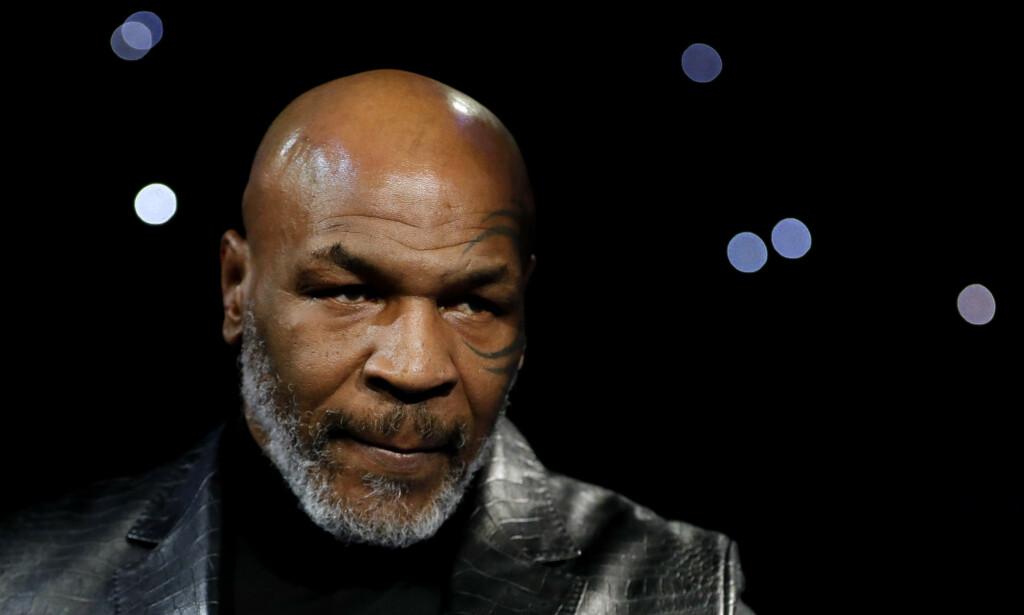 SIER NEI: Bokser Mike Tyson trekker seg fra en veldedighetskamp. Foto: REUTERS/Steve Marcus