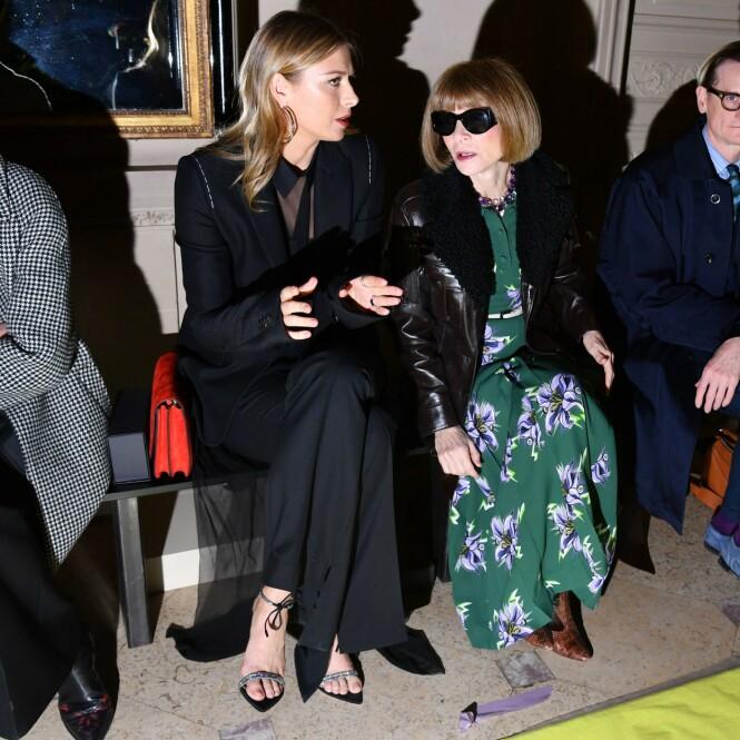 OMFAVNET AVMOTEBRANSJEN: På første rad på Vera Wang-visning i år, med selveste Vogue-redaktør Anna Wintour ved sin side. FOTO: NTB Scanpix