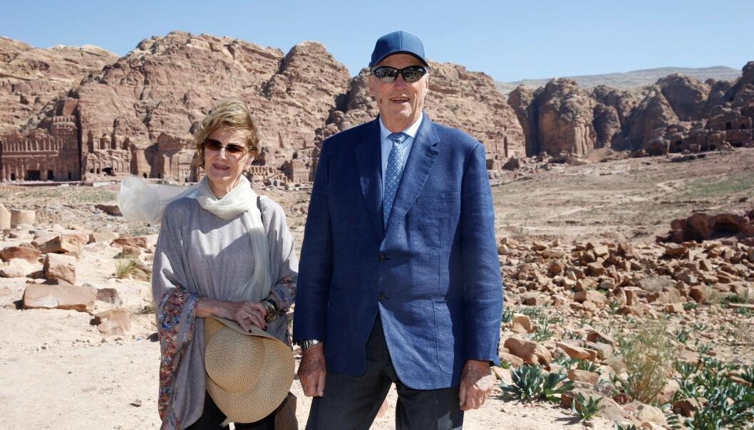 <strong>I JORDAN:</strong> Kongeparet er for tiden i Jordan på statsbesøk. Etter å ha sett Petra, svarte de på spørsmål fra pressen. Da uttalte de blant annet seg om Ari Behns bortgang. Foto: Andreas Fadum / Se og Hør