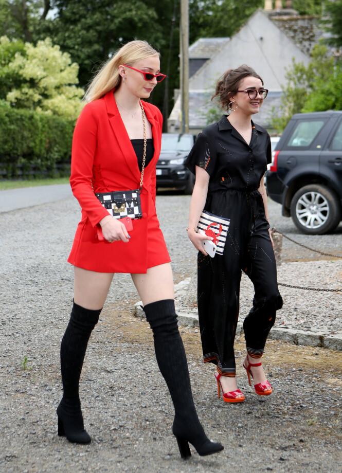 ANGRER: - Jeg hadde egentlig tenkt å ha på meg kjole, forteller Sophie Turner til magasinet ELLE. FOTO: NTB Scanpix