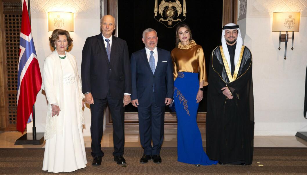 BESØK: Fra venstre ser vi dronning Sonja, kong Harald, kong Abdullah II, dronning Rania og kronprins Al Hussein bin Abdullah II. Foto: Andreas Fadum / Se og Hør