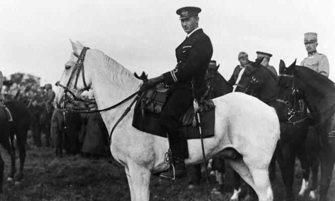 <strong>ARVEPRINS:</strong> Knud lå an til å bli konge før loven ble endret i 1953. Her er han avbildet i 1930. Foto: NTB Scanpix