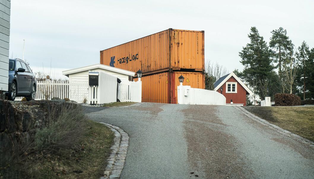 <strong>TAS BORT:</strong> Ei mobilmast på milliardær Kjell Inge Røkkes eiendom på Konglungen i Asker har skapt uro i det fornemme nabolaget. Foto: Hans Arne Vedlog