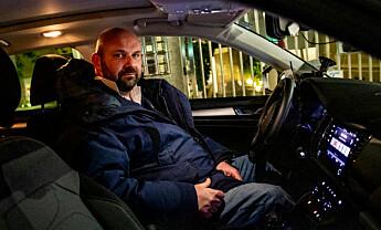 <strong>OPPGITT:</strong> Drosjesjåfør Alessandro sier halvparten av kundene er borte som følge av coronafrykten. Foto: Christian Roth Christensen / Dagbladet