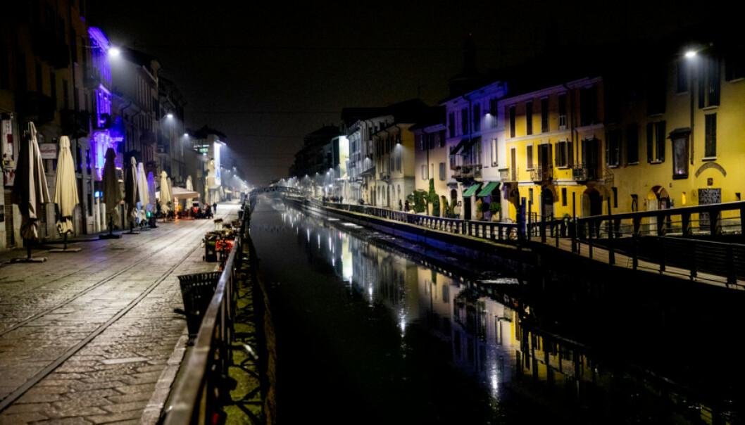 <strong>DEMPET:</strong> Også i utelivsormådet Navigli ved kanalen i Milano er stemningen dempet. Foto: Christian Roth Christensen / Dagbladet