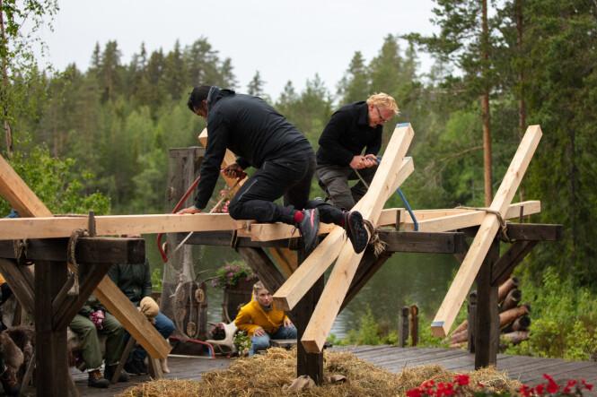 <strong>HEFTIG KONKURRANSE:</strong> Tommy Sharif tapte mot Per Sandberg i sagekonkurransen. Foto: Alex Iversen / TV 2