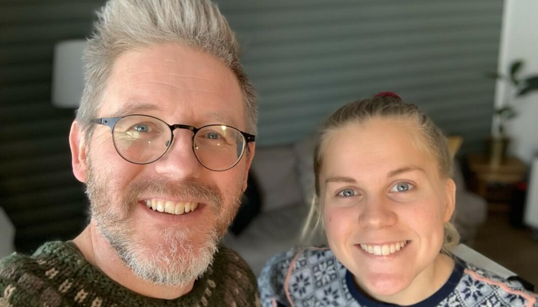 I dag: To voksne søsken, Torbjørn (46) og Julie (26). Foto: Privat
