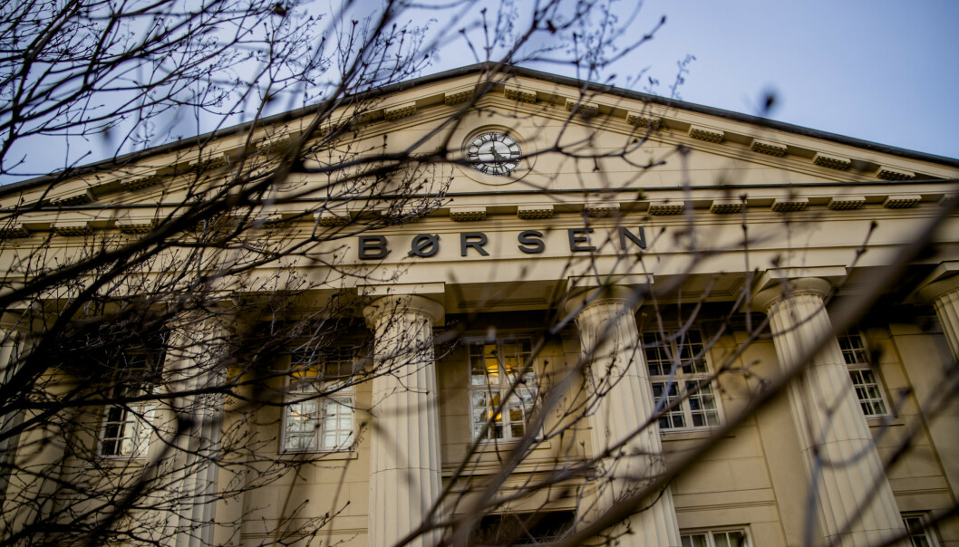 <strong>FALL:</strong> Hovedindeksen på Oslo Børs falt med 12 prosent mandag 9. mars. Les saken under for å vite hvordan dette påvirker norske forbrukeres boliglån og sparepenger. Foto: Stian Lysberg Solum/NTB Scanpix.