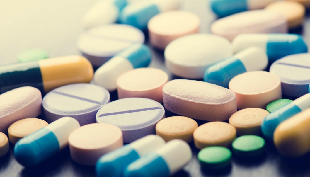 Får du utskrevet nye medisiner uten at legen spør hva du tar fra før, bør du være obs. Legen din trenger å vite om alt fra medisiner på resept, reseptfrie medikamenter og helsekost for å gi deg riktig dosering. Foto: Shutterstock/NTB Scanpix