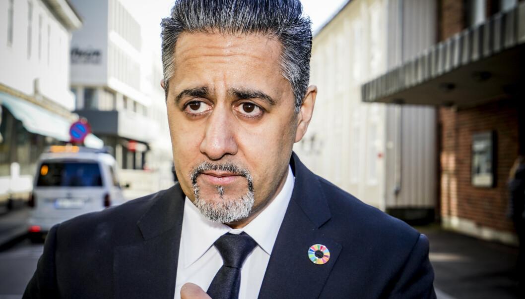 PÅ PLASS: Kultur- og likestillingsminister Abid Raja hadde tatt turen til Tønsberg for Jahn Teigens bisettelse.