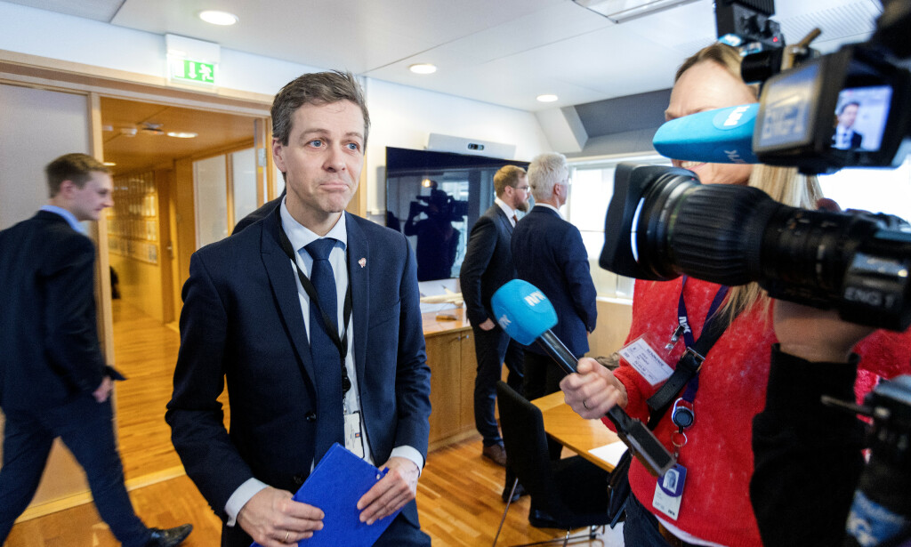 I KRISEMØTE: Samferdselsminister Knut Arild Hareide (KrF). Foto: Gorm Kallestad / NTB scanpix