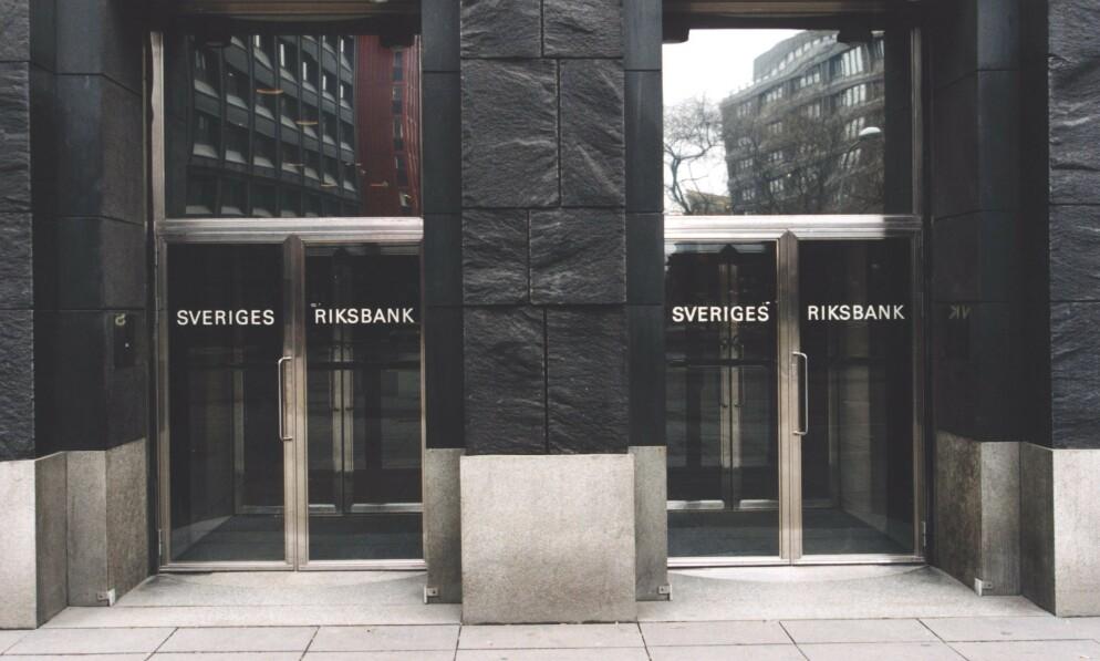 STIMULERINGSPAKKE: Sveriges Riksbank øker utlånene for å sikre rammene for bedrifter som er rammet av koronakrisen. Foto: Pawel Flato / NTB scanpix
