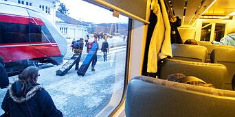 image: Mann pågrepet etter å ha pustet togpassasjerer i ansiktet