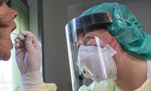 image: Lege i karantene etter testfeil