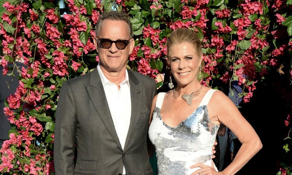 SMITTET VIDERE: Både Tom Hanks og Rita Wilson har fått coronaviruset. Nå har sistnevnte smittet en annen. Foto: NTB Scanpix